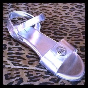 Youth 5 sandal, Fits womens 6, euro 36